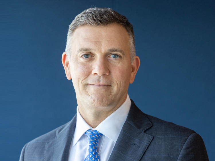 Barings ernennt Mike Freno zum Chief Executive Officer